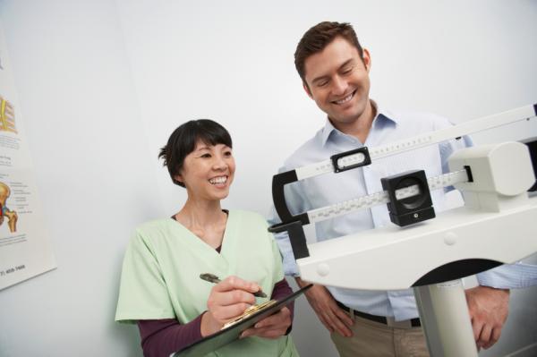 Conoce la correctas formas de calcular el peso ideal en los niños y en adultos